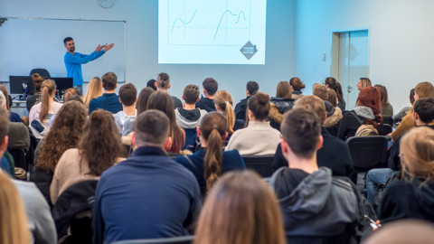 Karijerno savjetovanje: Toni Milun razgovarao s maturantima o državnoj maturi i upisu na fakultet